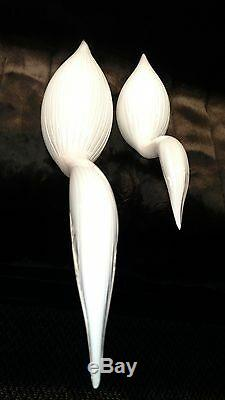 VINTAGE SET of TWO MURANO SIGNED SEGUSO A. V. DEEPLY RIPPILED WHITE GLASS SWANS