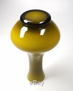 Vintage MCM Murano Italy Empoli Cased Glass Vase Avocado-Gold Over White 10.5